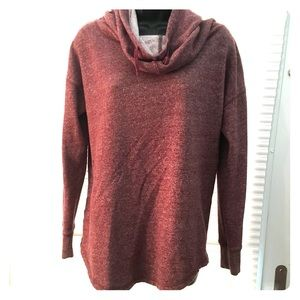 Burgundy hoodie with high neck